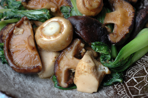 Poelee champignons tofu deux vue 1