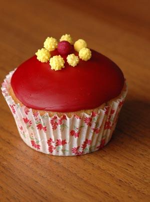 Cupcake violet jaune vue 1