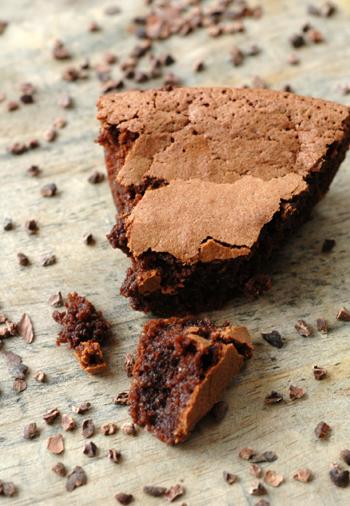 Gateau chcolat eclats feves cacao vue 1
