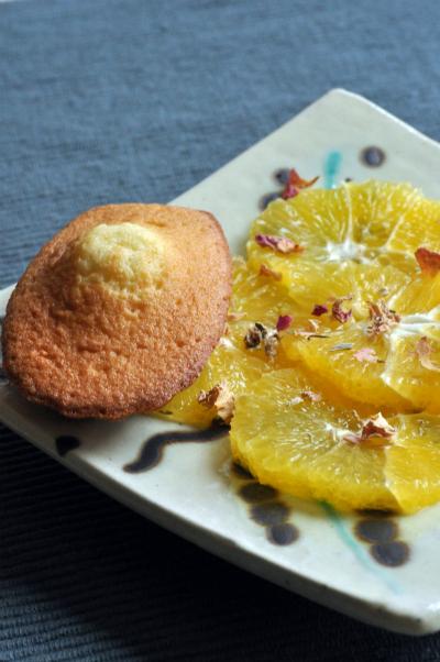 Madeleines et salade orange vue 1