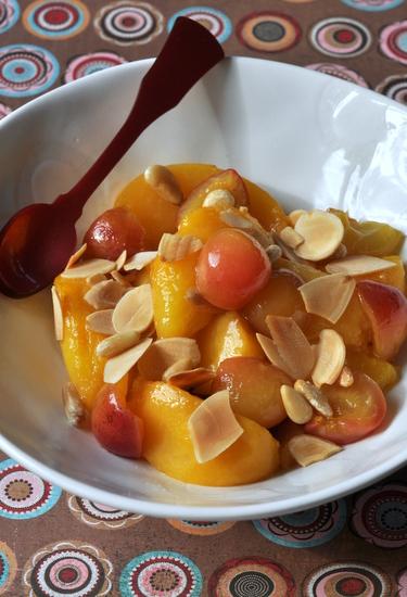 Peches roties cerise olive fleur oranger vue 1