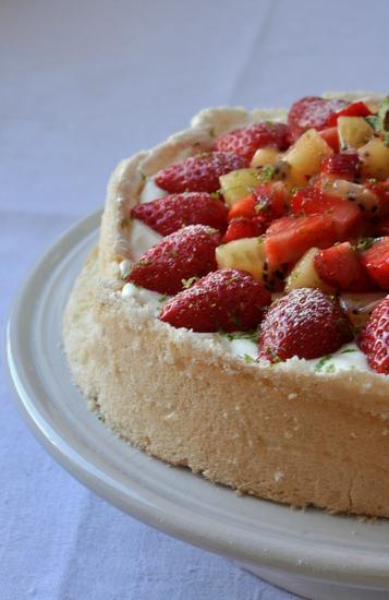 Pavlova fraises kiwi citron vert michalak