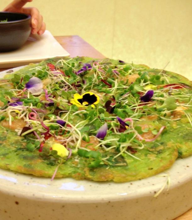 Crepe coreenne fruits de mer et fleurs