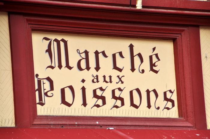 Batiment marche poisons trouville
