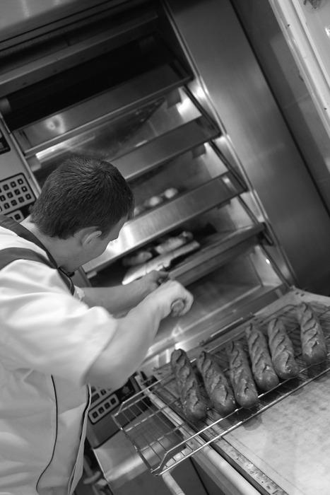 Fabrication baguette tradition francaise retrodor sortie du four