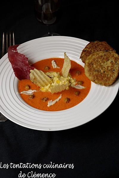 Gaspacho-de-poivron-cumin--oeufs-brouilles-au-chevre-clemence