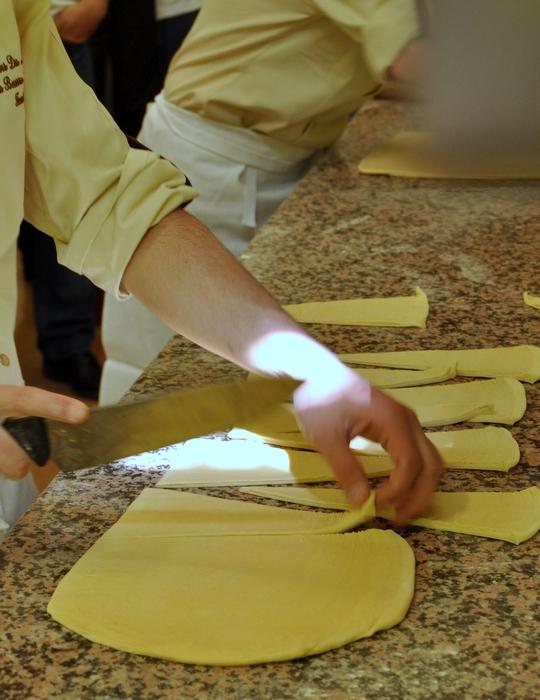 Decoupage pate croissant