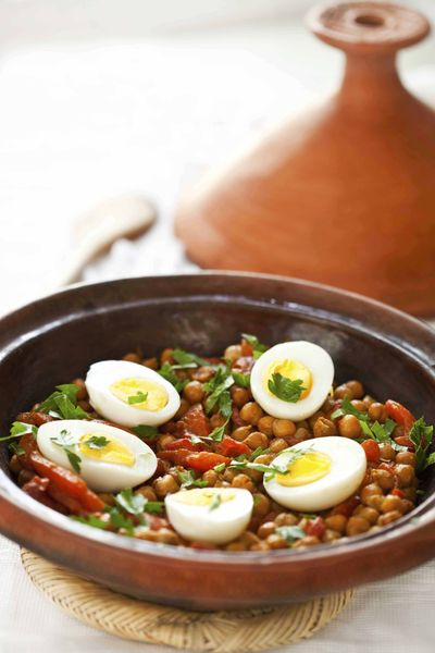 Tagine pois chiches poivrons oeufs anne