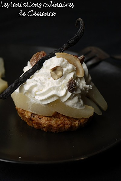 Palet-de-mueli--poires-et-chantilly-vanillee-deux-clemence