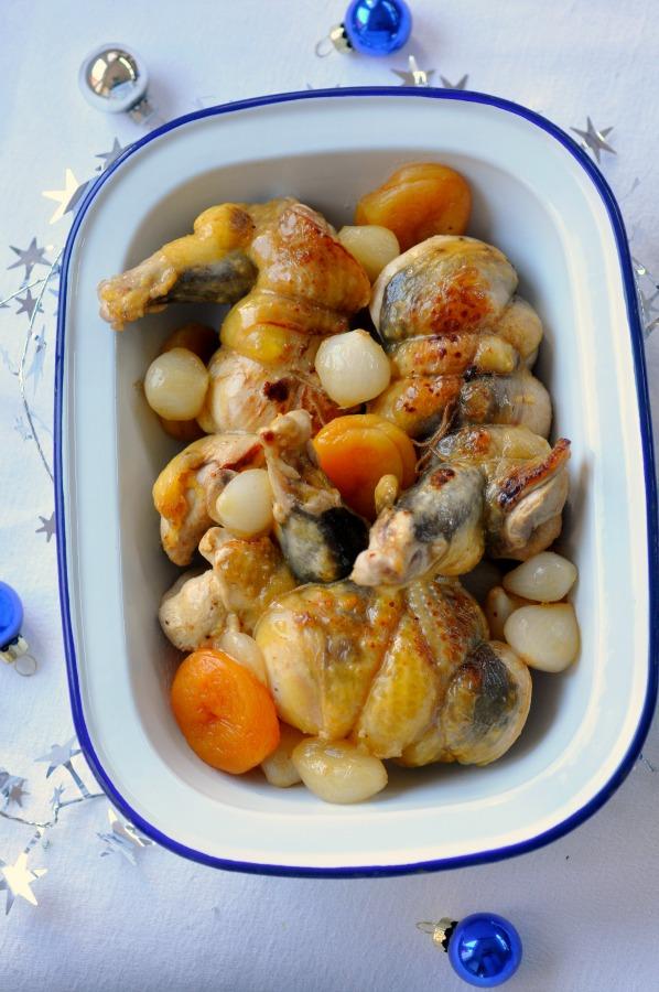 Pintade au miel epices abricots oignons vue 1