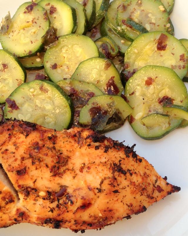 Salade de courgettes et poulet grillé