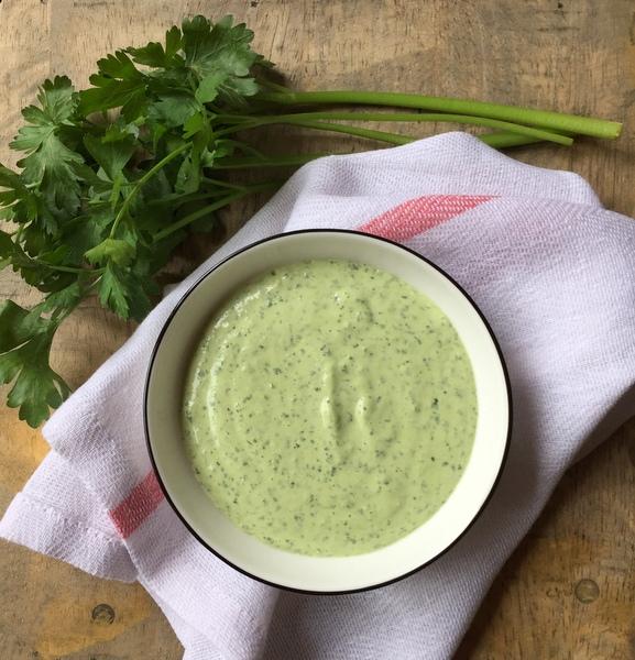Sauce tahina tahine verte aux herbes