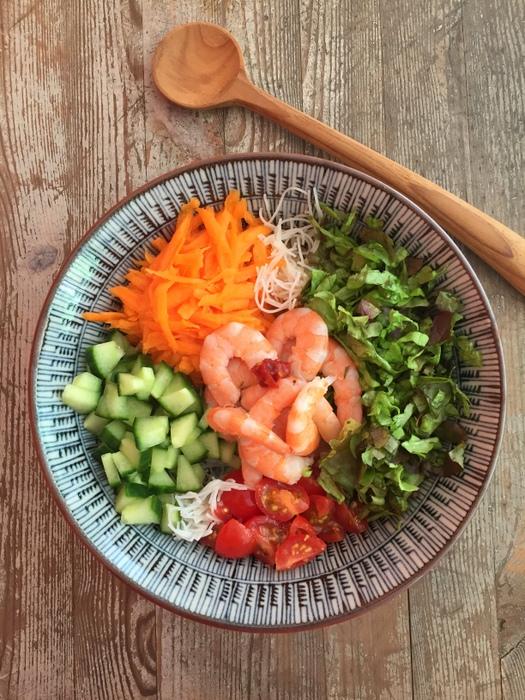 Salade de vermicelels de riz crevetets facon bo bun