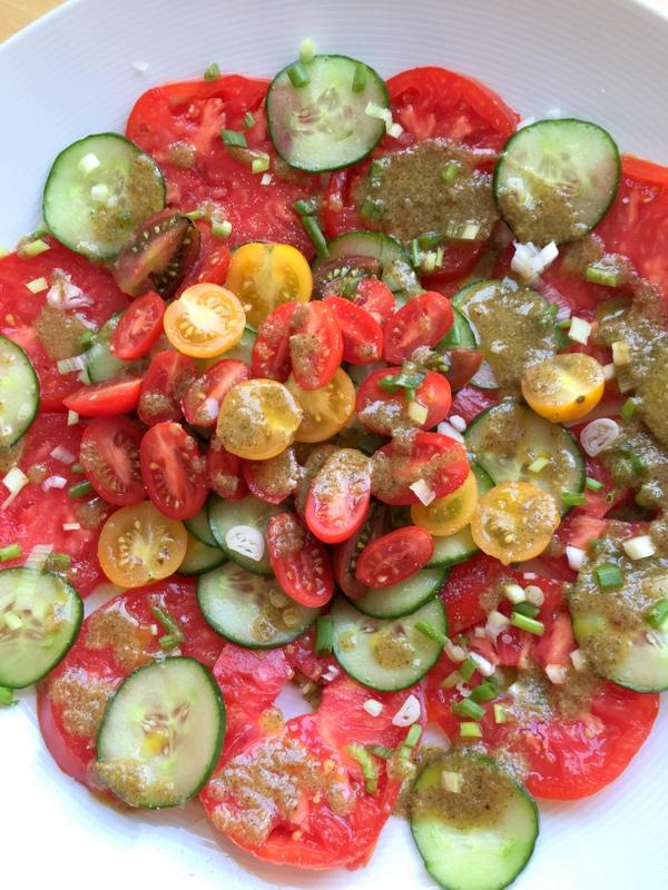 Salade de tomates vinaigrette citron confit