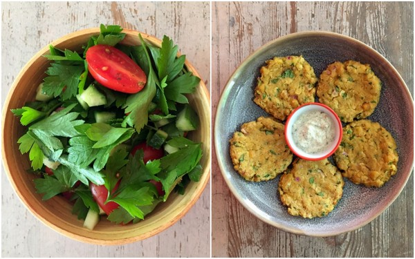 Galettes pois chiches facon falafels salade tomate concombre persil plat