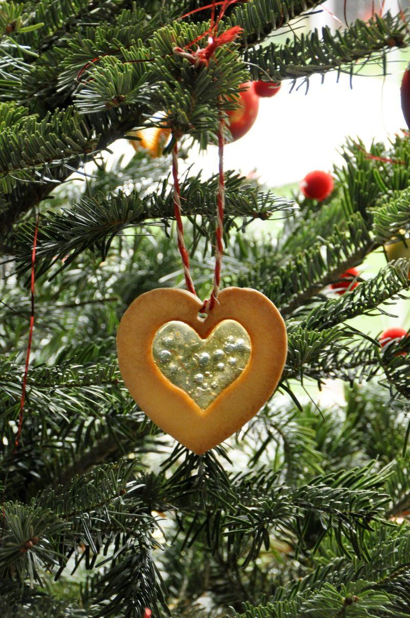 Sable vitrail et sapin de Noel