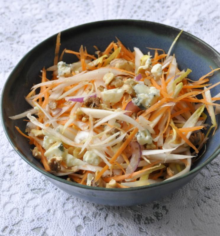 Coleslaw endives carottes noix roquefort