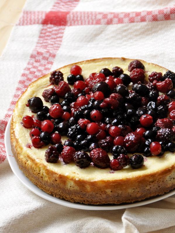 NY cheesecake with graham crackers crust