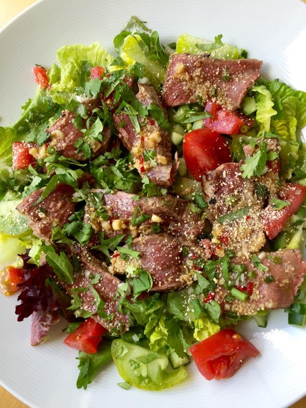 Salade de boeuf epicee a la thai ou le tigre qui pleure
