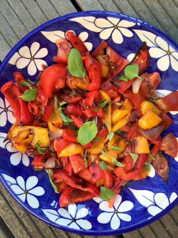 Salade express de poivrons grillés et tomates
