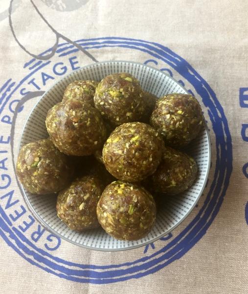 Energy balls pistache beurre cacahuetes