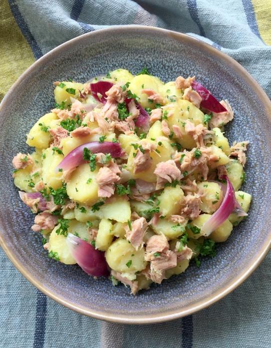 Salade de pommes de terre oignon thon