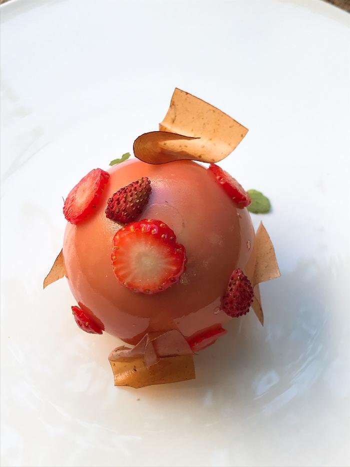 Dessert fraise quentin lechaut novotel paris les halles