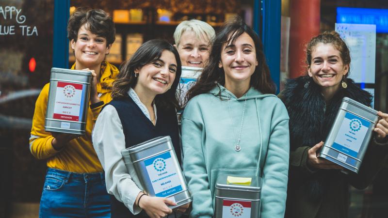 Happy blue tea rue des pyrennes paris 20