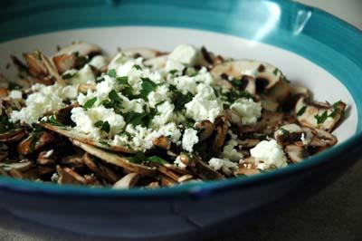 Salade_champignons_feta_persil_plat
