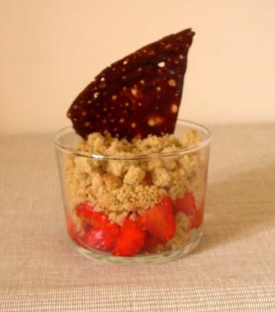 Crumble_aux_fraises_vue_1