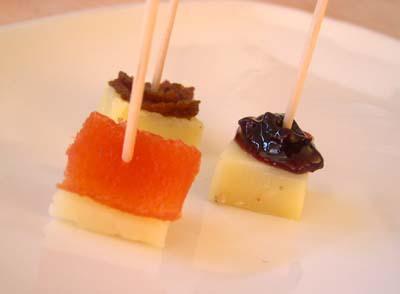 Cubes_fromages_piques_vue_1