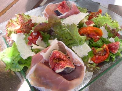 Salade_aux_figues_et_jambon_de_parme_vue_1