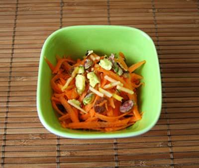 Salade_de_carotes_rapes_pommes_raisins_e